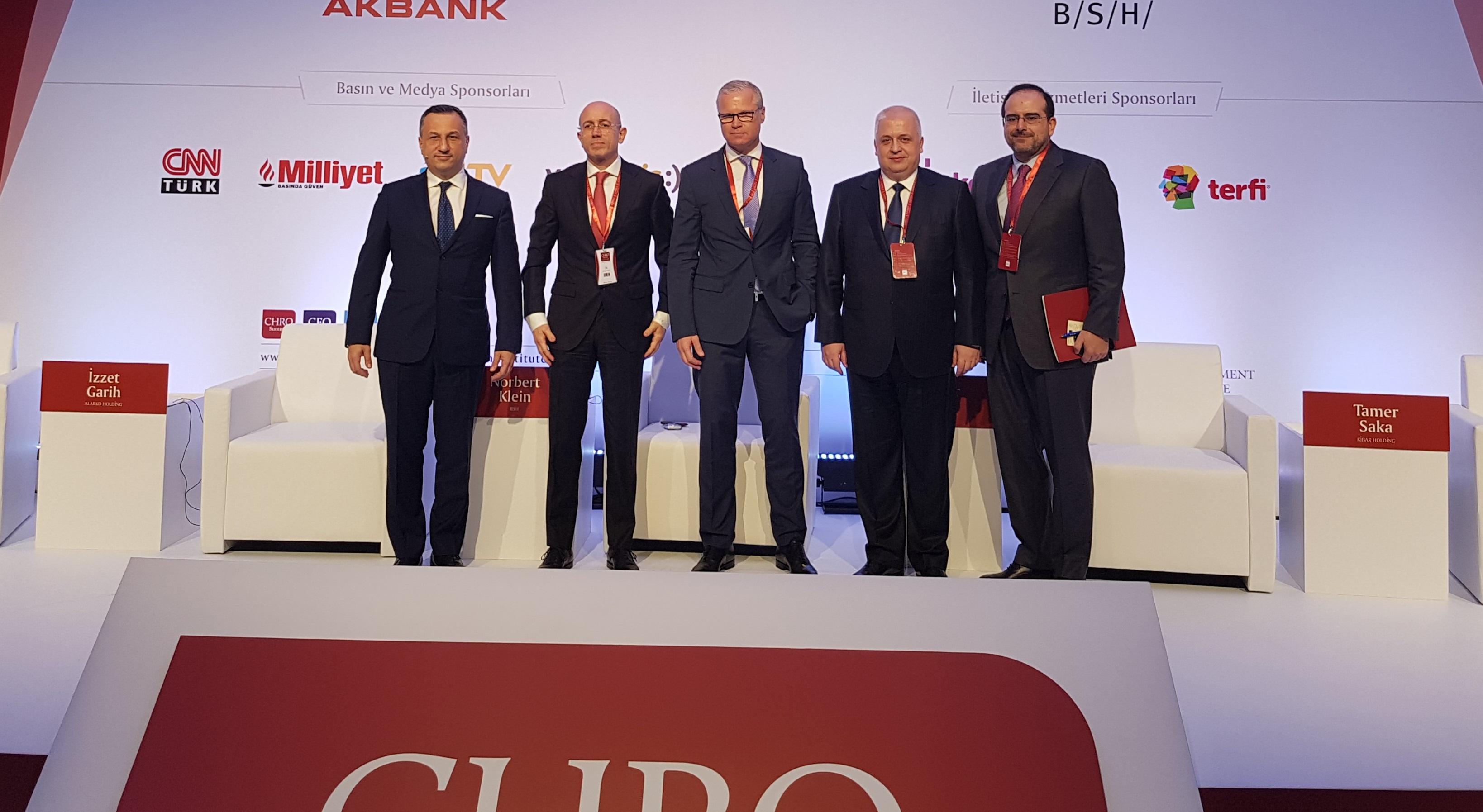 Alarko Holding Yönetim Kurulu Başkanı İzzet Garih  CHRO Summit'e Katıldı