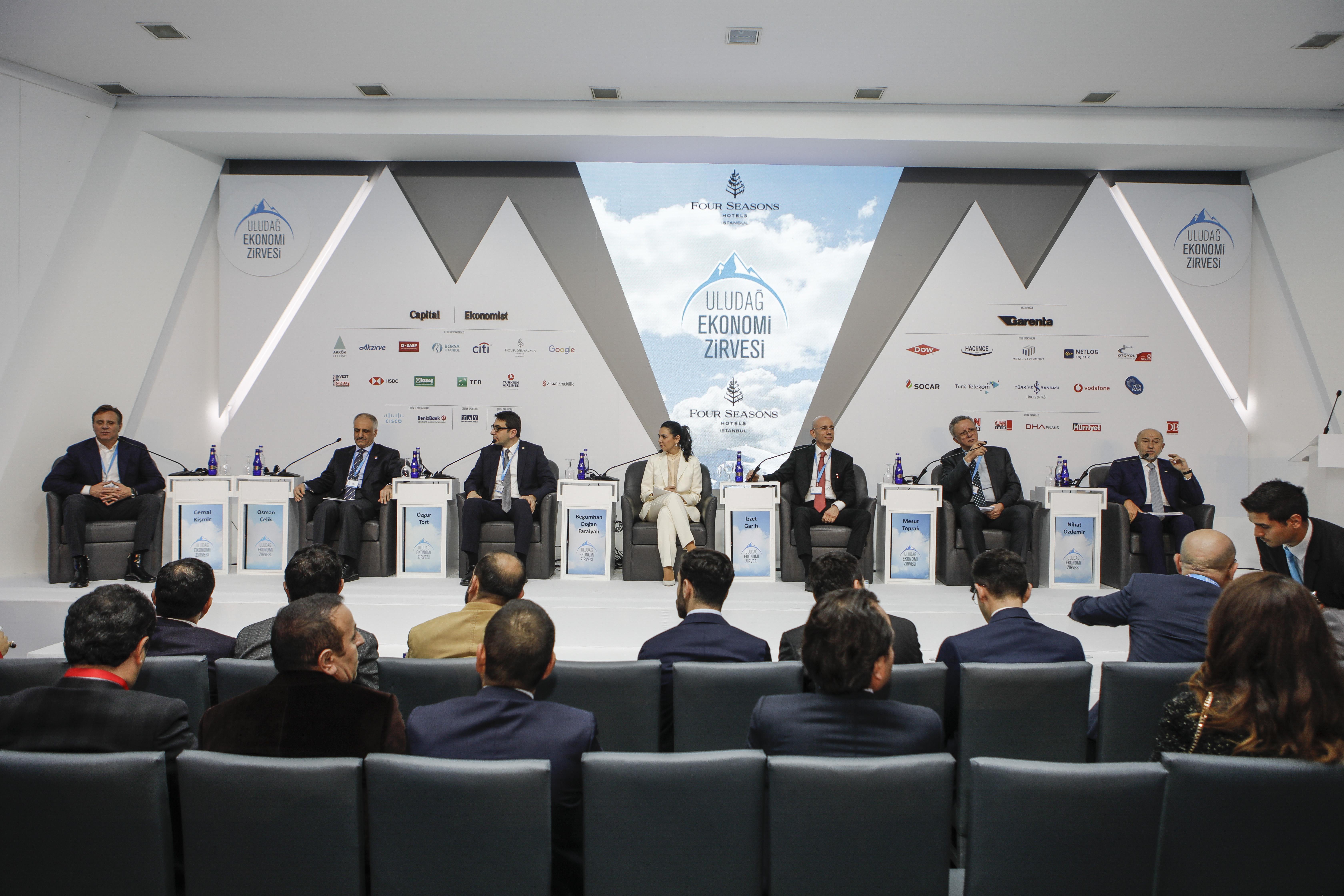 Alarko Holding A.Ş. Yönetim Kurulu Başkanı İzzet Garih 7. Uludağ Ekonomi Zirvesi'ne Katıldı